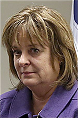 Lucas County Commis-sioner Carol Contrada says the issue of how such dogs are han-dled is under discussion.
