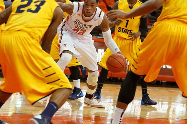 BGSU-s-Richaun-Holmes-is-surrounded-by-Kent-State-defenders