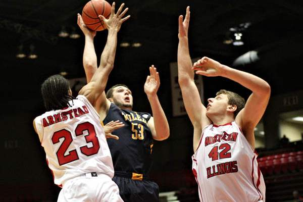 Toledo-s-Nathan-Boothe-takes-a-shot-in-the-second-half