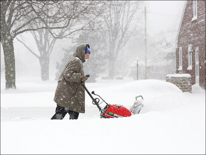 0001020500000000000 Forecasters warn area residents to keep the snow blowers and shovels ready because waves of snow are likely this weekend.