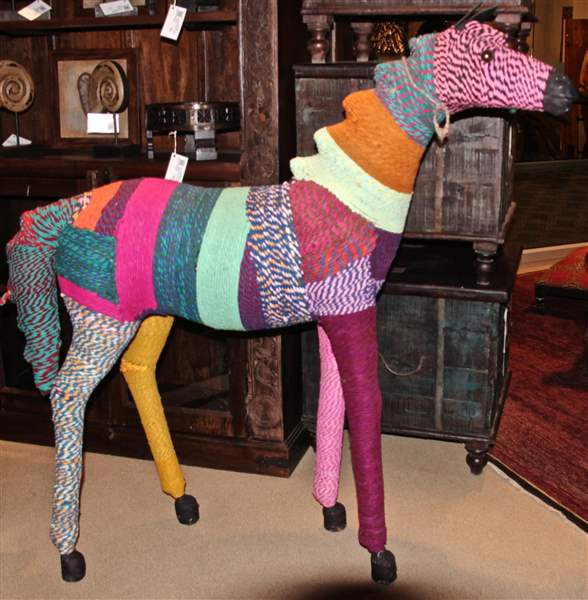 LIFE-HOME-FURNITURE-HORSE-Chindi