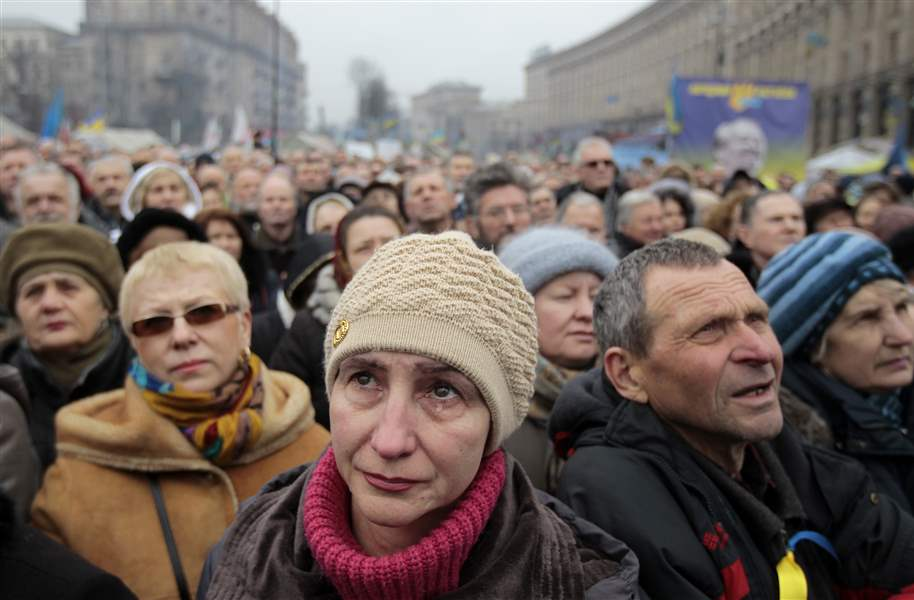 Ukraine-Protests-crowd