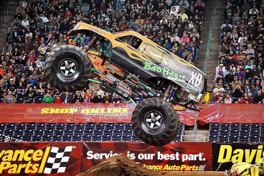 MonsterJamTruck06-jpg