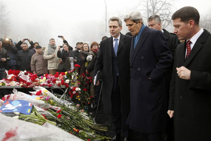 US-Ukraine-Russia-KERRY-SHRINE-OF-FALLEN