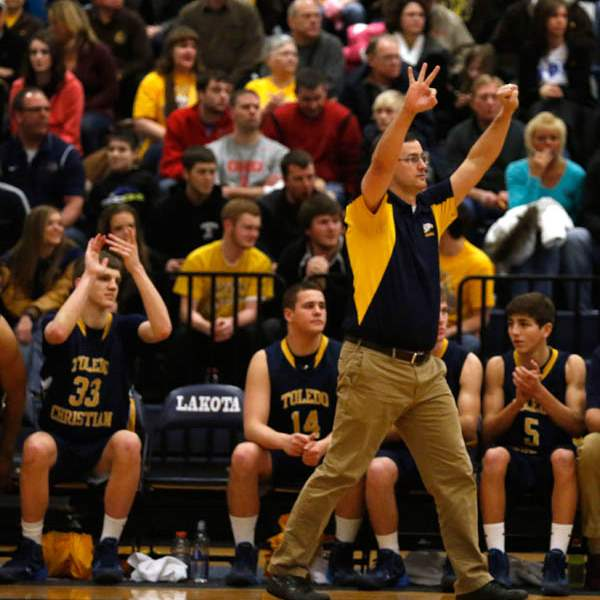 Toledo-Christian-head-coach-David-McWhinnie-calls-a-play