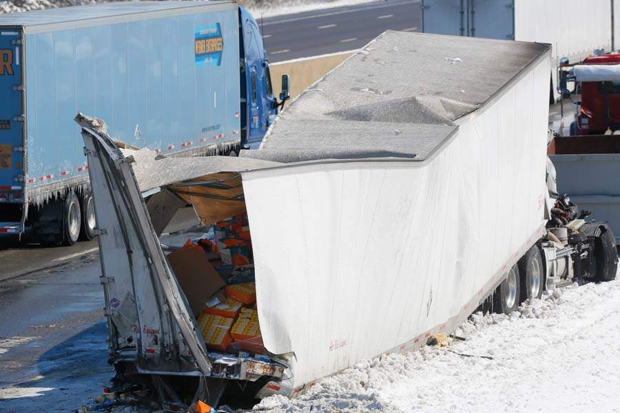 CTY-turnpike-damaged-truck