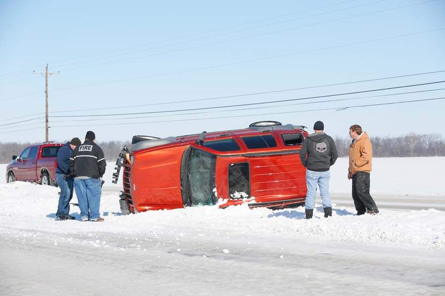 CTY-turnpike-overturned-jeep-1