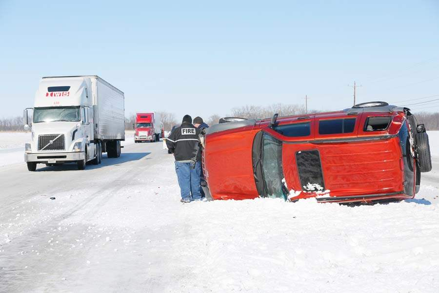 CTY-turnpike-overturned-jeep-2