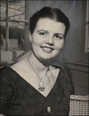In 1952, Mrs. Ray Greene was known for hosting grand parties.