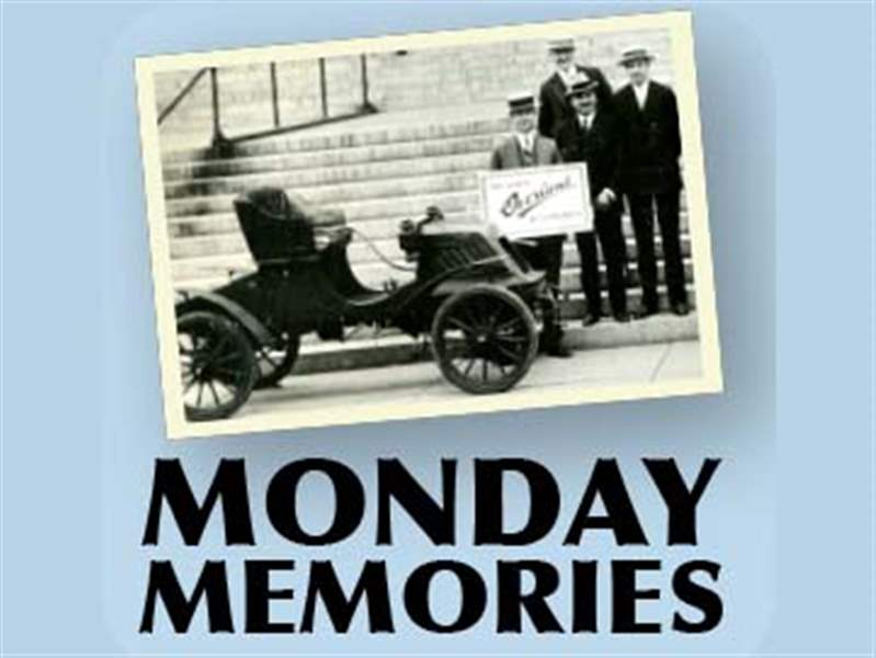 monday-memories-logo