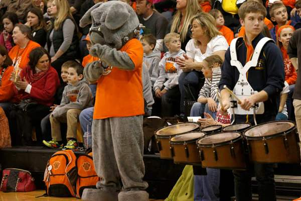 The-Southview-High-School-mascot-dances-while-the-ban