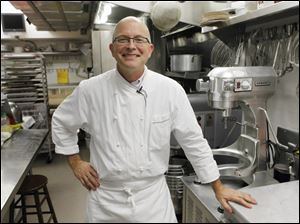 White House pastry chef Bill Yosses, a Toledo native, said Tuesday he will leave his post.