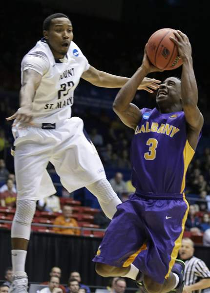 NCAA-Albany-Mount-St-Marys-Basketball-8