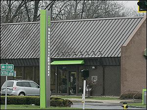 Huntington Bank said its policy of dropping overdraft protection transfer fees will affect 10 percent of small busines customers.