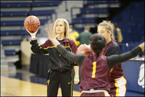 Arizona State head coach Charli Turner Thorne works with her team during practice on Friday. After stepping away last season, Turner Thorne helped ASU improve from 13-18 to 22-9.