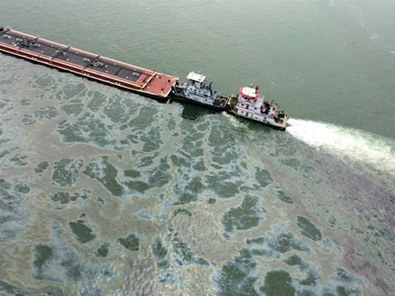 Texas-Oil-Barge-4