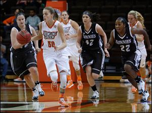 BGSU's Miriam Justinger is chased by St. Bonaventure defenders.