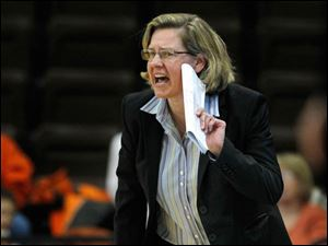 BGSU head coach Jennifer Roos gets her team's attention.