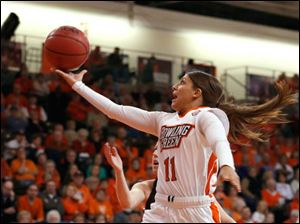 BGSU's Jillian Halfhill drives to the basket.