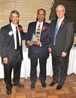 Dr-Agha-Shahid-Dr-Shirish-Shah-receiving-an-award