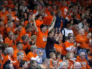 Bowling Green fans get on their feet to cheer the Falcons on against Rutgers.
