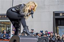 Shakira-Peforms-On-The-Today-Show-1