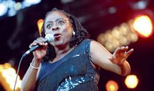 Sharon-Jones-is-back-on-tour-after-a-bout-with-pancreatic-cancer