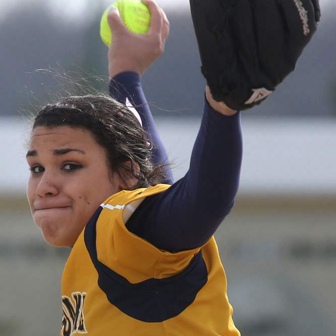 NDclay10p-Notre-Dame-s-senior-pitcher-Cassie