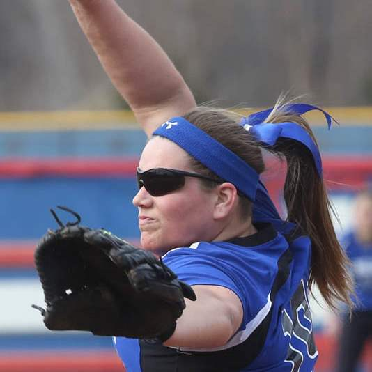 Softball09p-Springfield-s-sophomore-pitcher-L