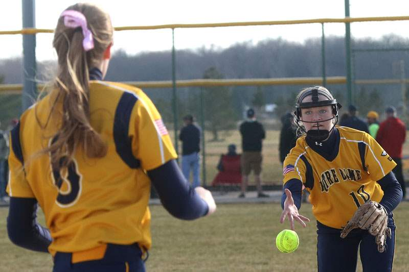 Notre-Dame-s-Amanda-Del-Monte-pitches-the-ball-to-fir