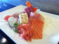 The-Chef-s-Choice-Sashimi-Entree-with-fr