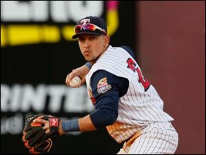 Toledo shortstop Hernan Perez makes a play against Indianapolis in the fourth inning.