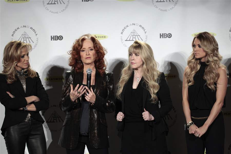 Rock-and-Roll-Hall-of-Fame-2014-Ceremony-Press-Room-1