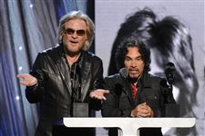 Rock-and-Roll-Hall-of-Fame-2014-Ceremony-Show-11