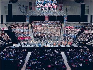 The Toledo Symphony makes its Huntington Center debut with a choir of more than 1,000 voices.