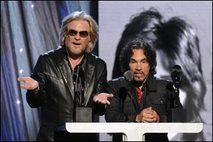 Hall of Fame Inductees, Hall and Oates, Daryl Hall and John Oates speak.
