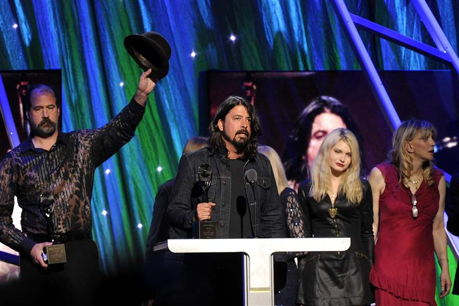 Rock-and-Roll-Hall-of-Fame-2014-Ceremony-Show-7