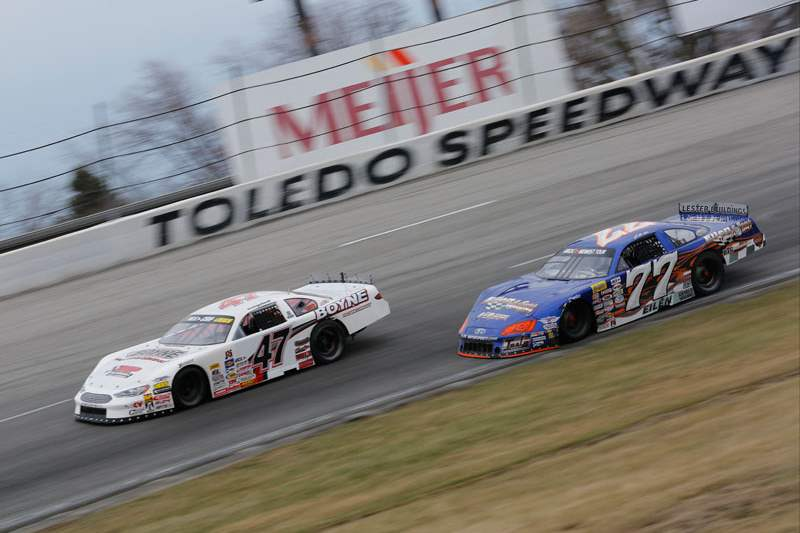 Campbell-leads-Kenseth