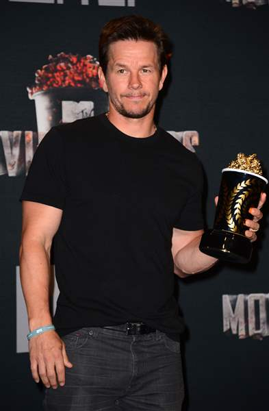 2014-MTV-Movie-Awards-Press-Room-1