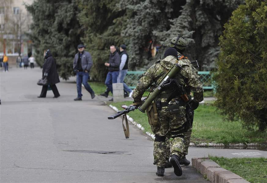 Ukraine-Armed-pro-Russian-activists
