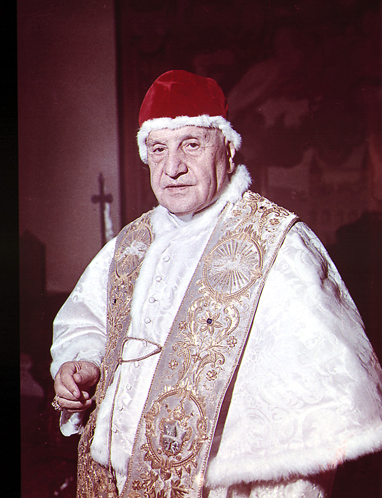 pope john 23 notes Pope john xxiii (1881 - 1963) left a large imprint on the catholic church and on  the  he notes that this spiritual leader kept a diary for 67 years in which he.