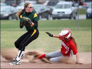 Clay's Brooke Gyori  beats Bowling Green's Haley Yarnell  to second.