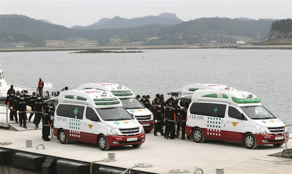 South-Korea-Ship-Sinking-emergency
