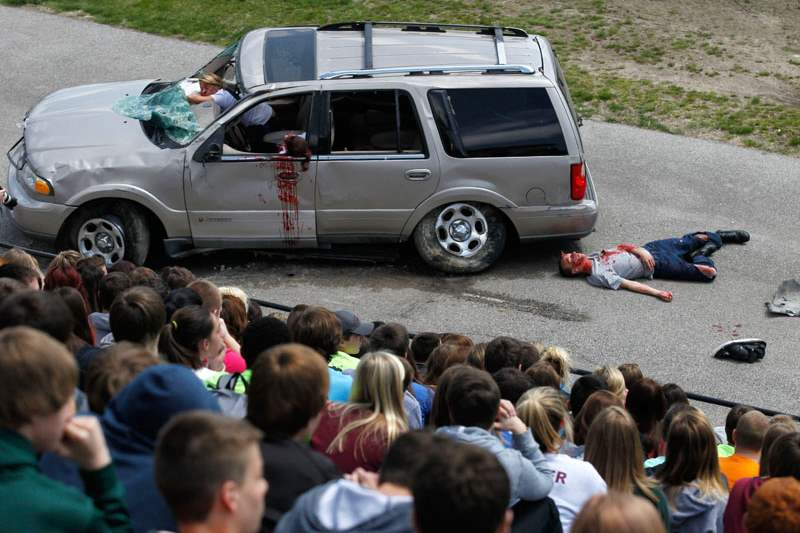 Students-pretend-to-be-victims-in-a-mock-car-accident
