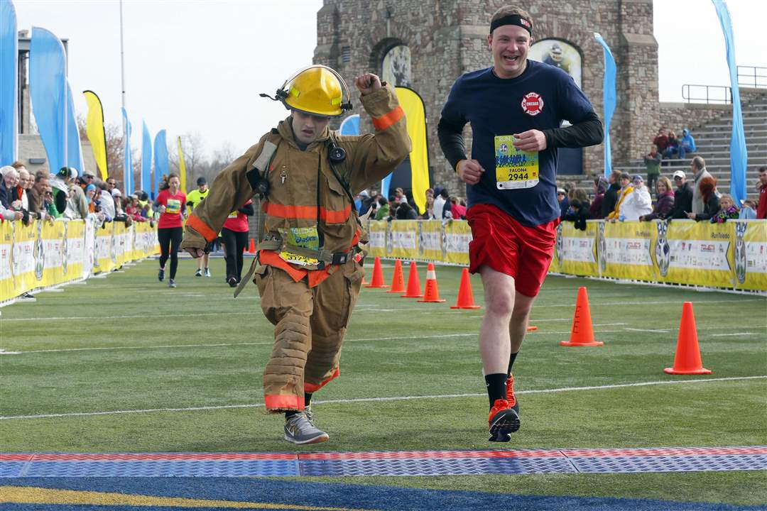 CTY-marathon28p-fallen-firefighters