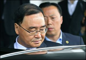 South Korean Prime Minister Chung Hong-won offered to resign Sunday over the government's handling of