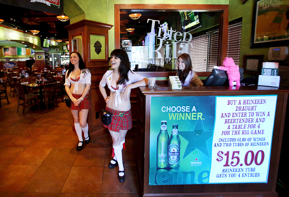 Tilted Kilt Expands To Fallen Timbers Mall The Blade