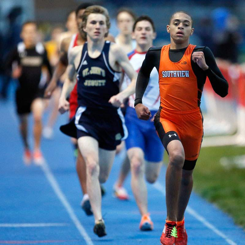 Frank-Hayes-of-Sylvania-Southview-wins-the-800-meter-ru