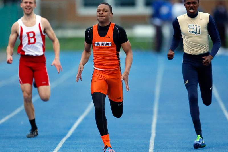 Earl-Armstrong-center-of-Sylvania-Southview-wins-the-400-meter-dash