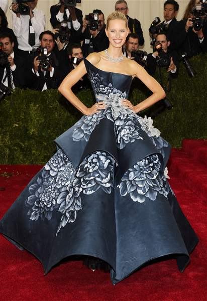 2014-MET-Museum-Costume-Institute-Benefit-Gala-16